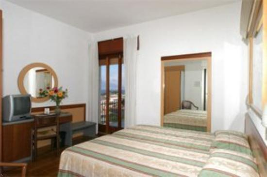 Caravel Hotel Sorrento: Room