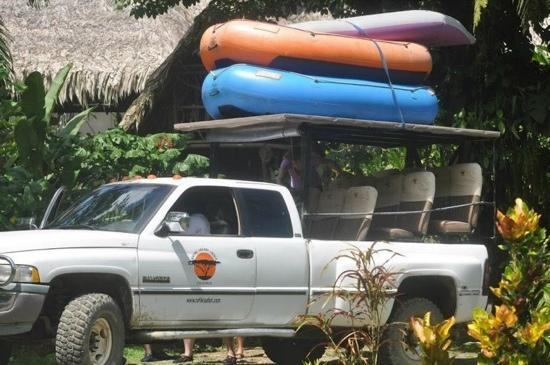 Rafiki Safari Lodge: Leaving resort, heading to river