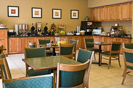 BEST WESTERN PLUS Porterville Inn: Breakfast Room