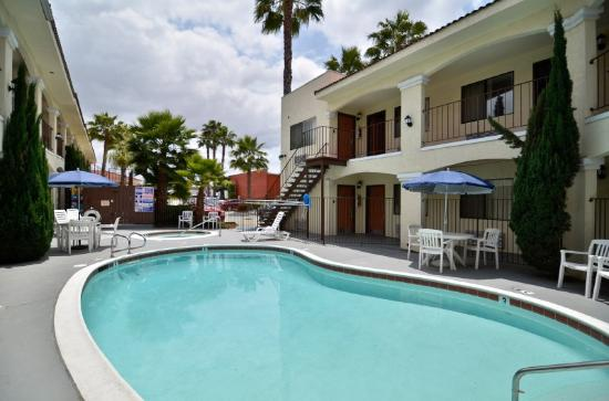 BEST WESTERN Santee Lodge: Swimming Pool