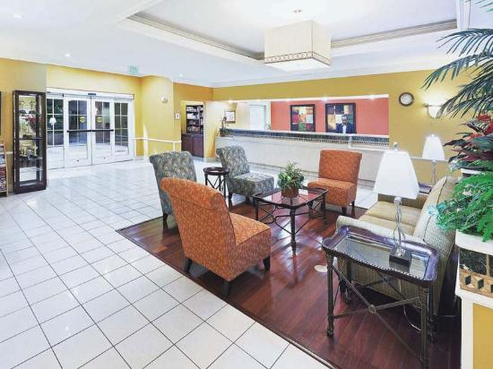 La Quinta Inn & Suites Houston Clay Road: Main Lobby
