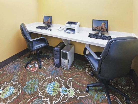 La Quinta Inn & Suites Houston Clay Road: Business Center