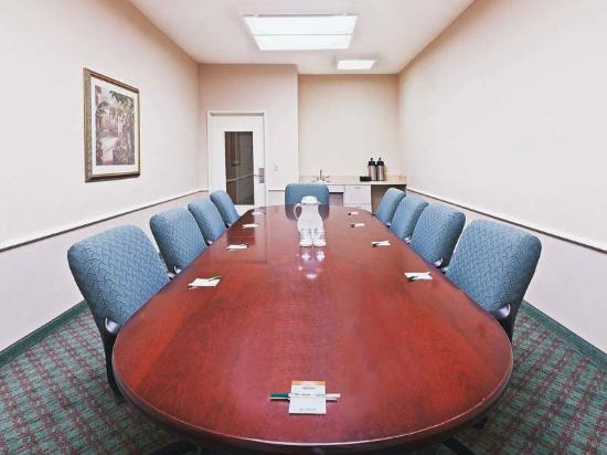 La Quinta Inn & Suites Houston Clay Road: Meeting Room