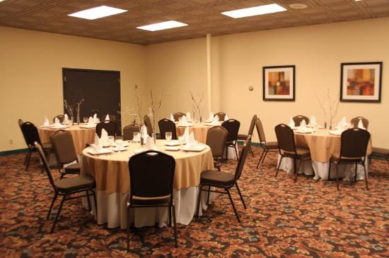 Hilltop House Hotel and Conference Center: Banquet Room