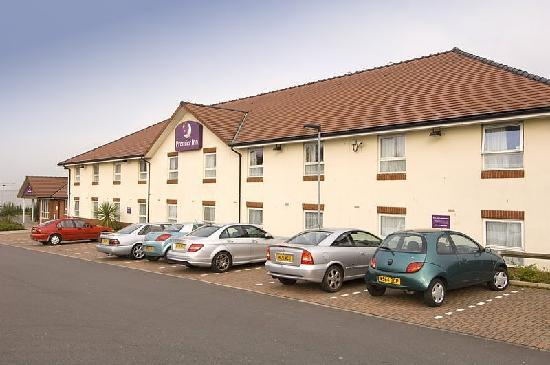 ‪Premier Inn Oldham Central‬