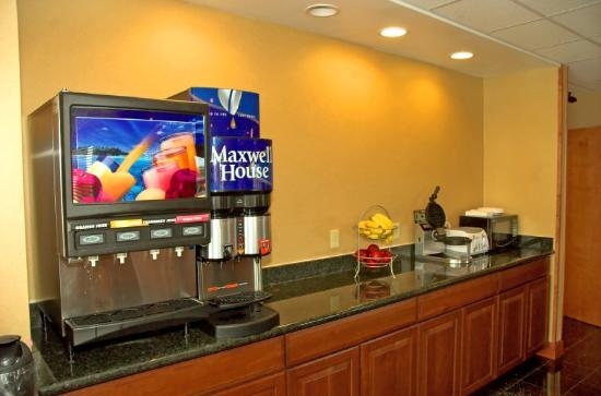 BEST WESTERN PLUS Fort Pierce Inn: Breakfast Area