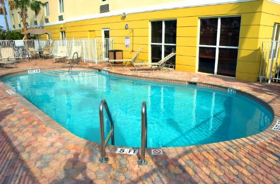 BEST WESTERN PLUS Fort Pierce Inn: Outdoor Pool