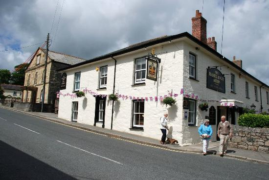 Rashleigh Arms: View from the street
