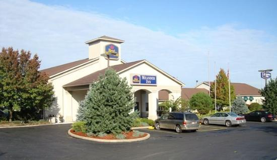 BEST WESTERN Meander Inn: Hotel Exterior