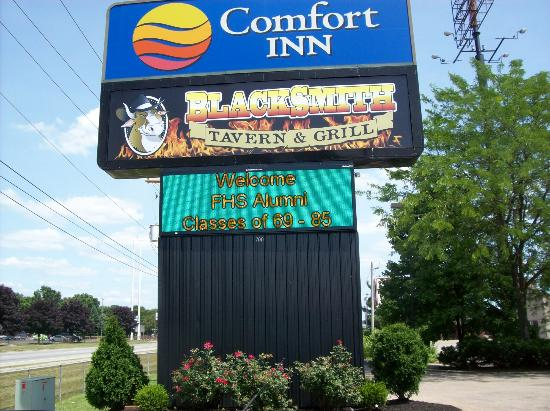Comfort Inn Marietta: they even put our event on their sign out front!