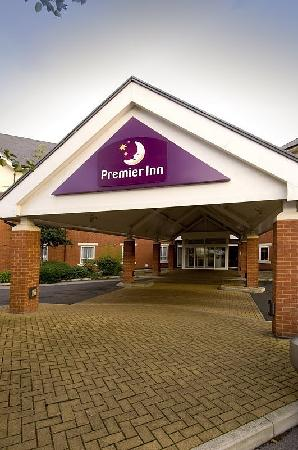 Premier Inn Warrington - M6/J21)