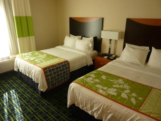 Fairfield Inn & Suites Redding: Room Interior