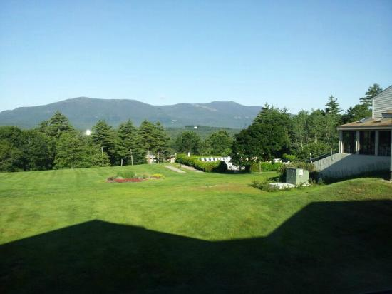 Fox Ridge Resort: View from Back of Hotel