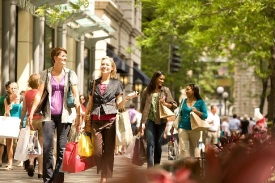 Illinois: Shopping on the Magnificent Mile, Chicago
