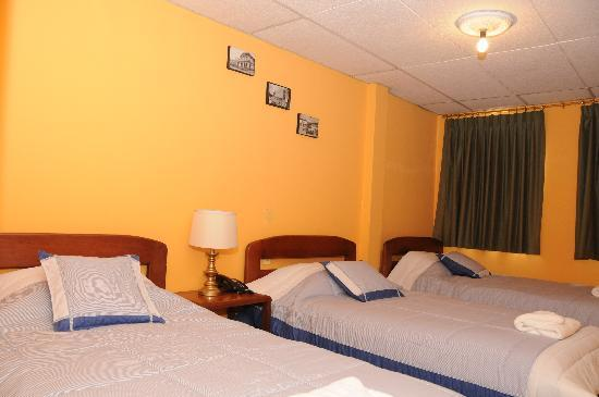 Hostal Vista Amazonas: Three bed room