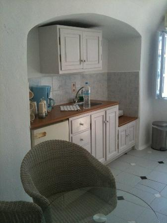 Caldera Villas: Kitchen area in suite 112