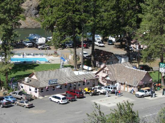 Squaw Rock Resort: Shot of the Resort Facility. Store, Restaurant, Pool, River and RV Sites