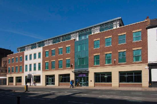‪Premier Inn York City - Blossom St South‬