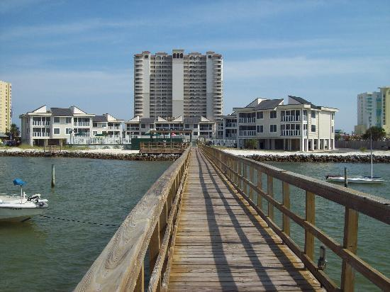Soundside Holiday Beach Resort: looking from the pier to the condo