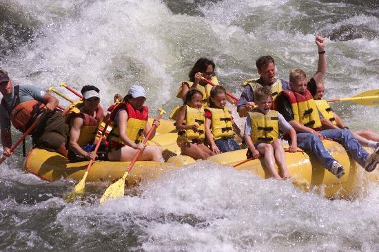 Ashley Inn: Cascade Raft and Bear Valley Rafting companies will take you for an adventure you'll always cher