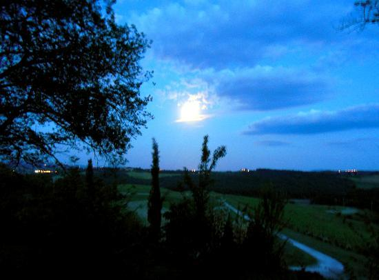 Casa Bini: Full moon, view from room to farm below
