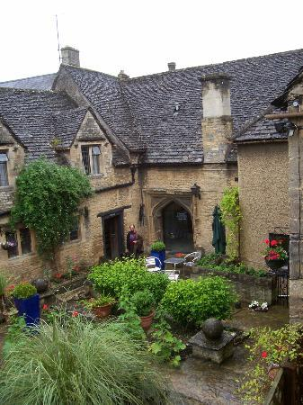 The Shaven Crown Hotel: The Courtyard