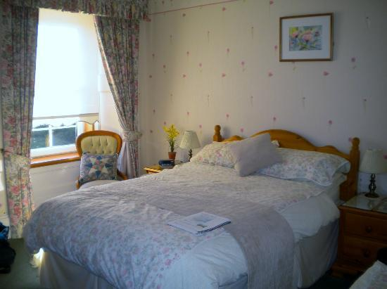 Purgavie Farm: B&B's bedroom