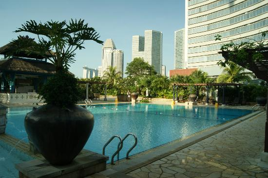 Swimming Pool On The 4th Floor Picture Of Parkroyal On Beach Road Singapore Tripadvisor