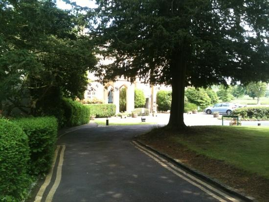 Missenden Abbey Conference Centre: the drive