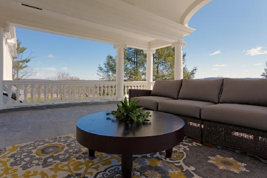 The Mansion at Noble Lane: Expansive Views from the second floor porch