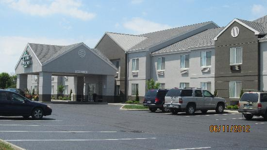 Photo of Country Inn & Suites Port Clinton