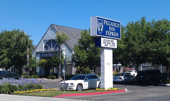 Photo of Piccadilly Inn Express Fresno