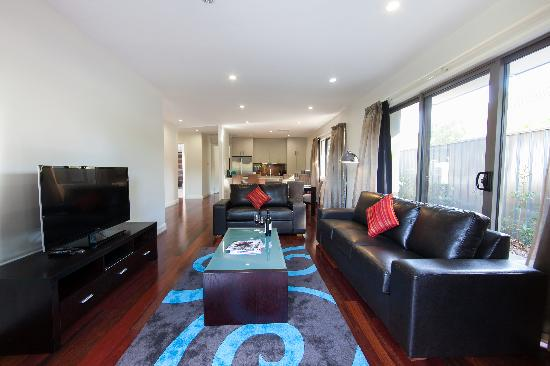 Abode Apartments Albury: Living Area