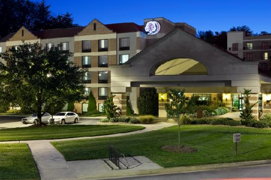 DoubleTree by Hilton Hotel Asheville-Biltmore Photo