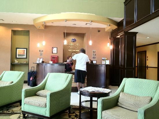 Comfort Suites Waxahachie: Front Desk