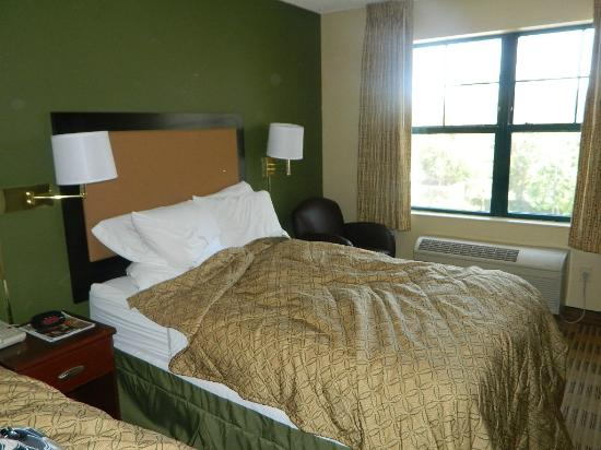 Extended Stay America - Orange County - Anaheim Convention Center : Bedroom
