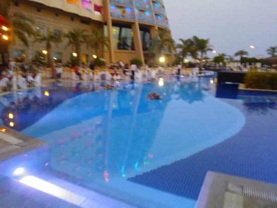Long Beach Resort Hotel & Spa: pool outside
