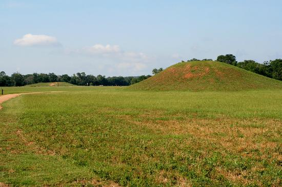 Alto, : Burial Mound in the background.