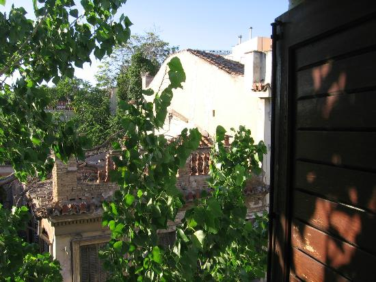 Hotel Nefeli: A surprisingly green view from the heart of the Plaka