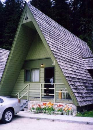 Nakusp Hot Springs Cedar Chalets