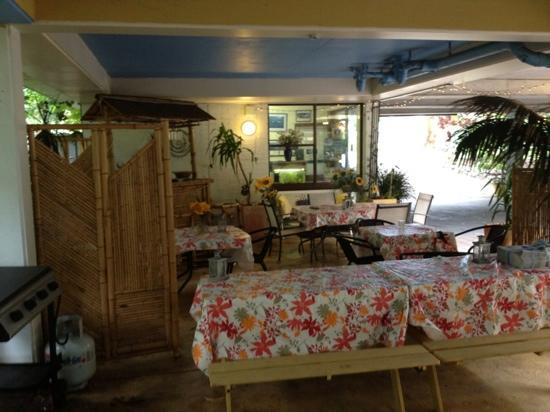The Port Stephens Motor Lodge: guest area