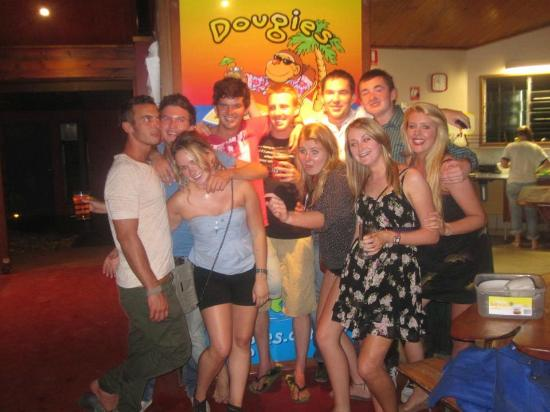 Dougies Backpackers Resort: A few bevs before one of many Tuesday nights at Iron Bar