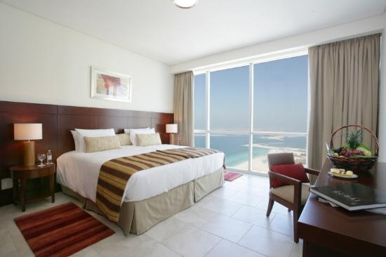 Oasis Beach Tower Apartments: Guest Room