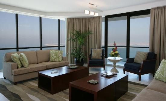 Oasis Beach Tower Apartments: Living Room
