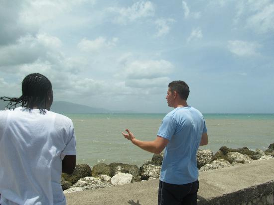 Talk of the Town Tours: Nick and Omar discussing the view