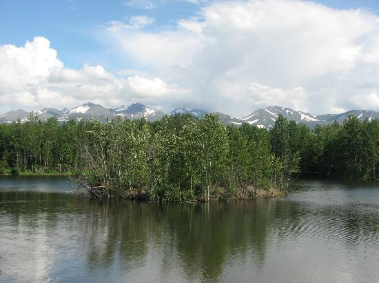 SpringHill Suites Anchorage University Lake: The lake out back