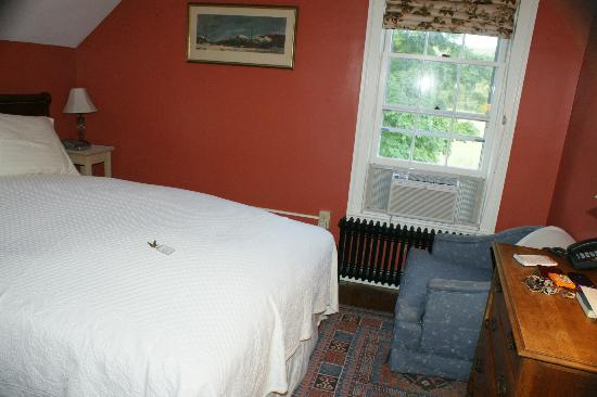 1824 House Inn: Room
