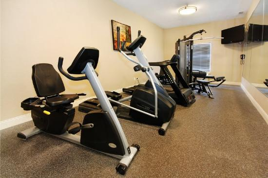 BEST WESTERN PLUS Seawall Inn &amp; Suites by the Beach: Fitness Center