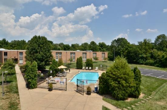 Leesburg, VA: Pool
