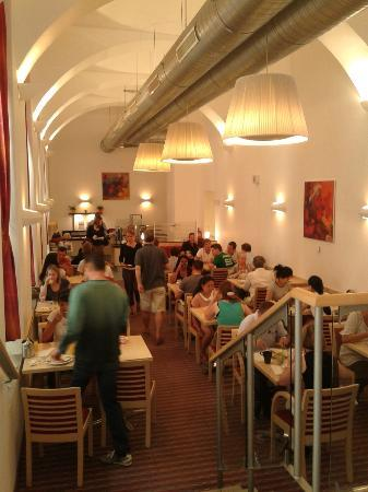 Chopin Hotel Prague City: Busy breakfast room at 10am!